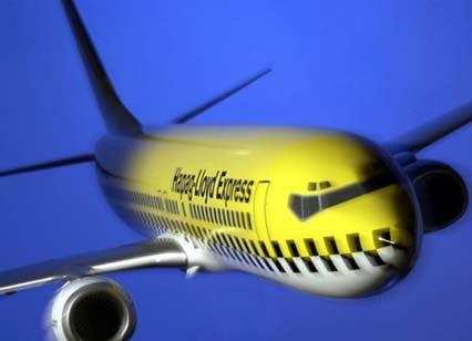 Luft-Taxi: Mit der Billig-Airline Hapag-Lloyd Express wagt Tui ein riskantes Engagement. Es droht ein erbitterter Clinch mit der Lufthansa.