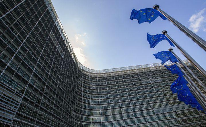 Gebäude der EU-Kommission in Brüssel: VW muss wegen der CO2-Verstöße eventuell Strafen zahlen