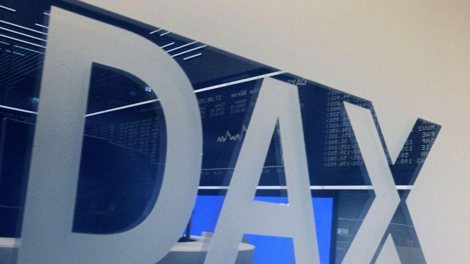 Dax-Schriftzug in der Frankfurter Börse: Der Leitindex wächst von 30 auf 40 Mitglieder