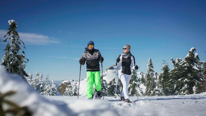 Großes Sportangebot: Am Großen Arber können Winterurlauber auch mit Schneeschuhen unterwegs sein.