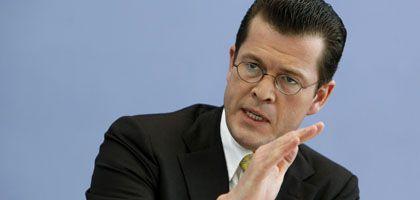 Erwartet Einbruch: Wirtschaftsminister zu Guttenberg