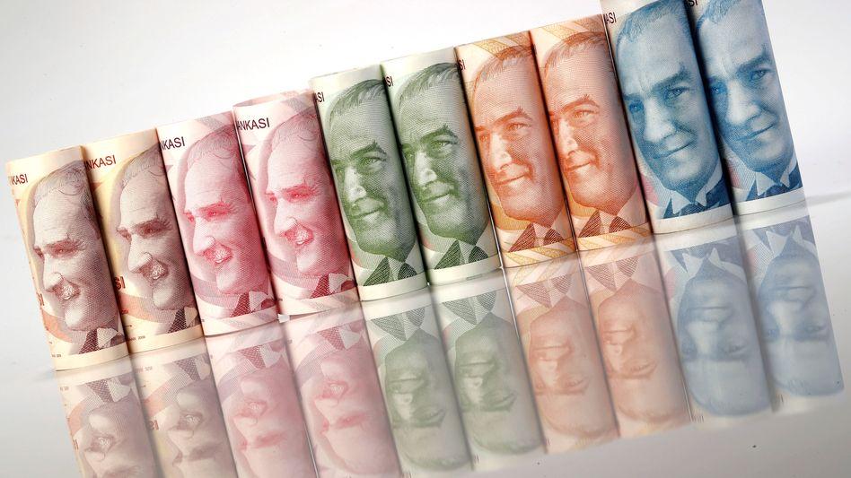 Türkische Lira: Kursrutsch zum Dollar
