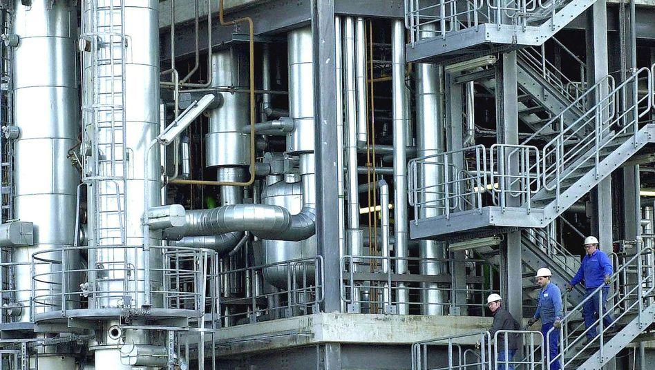 Chemieanlage bei BASF: Auch der deutsche Konzern war in Preisabsprachen um den Stoff Urethan verwickelt.