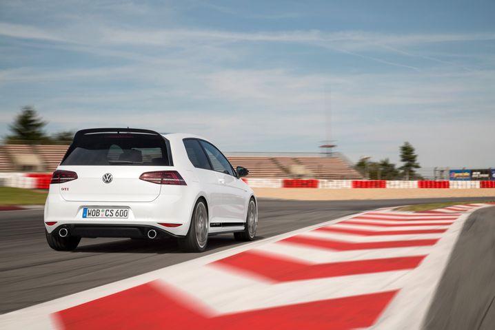 VW Golf: Platz 1 im Ranking der meistzugelassenen Autos in Deutschland 2015