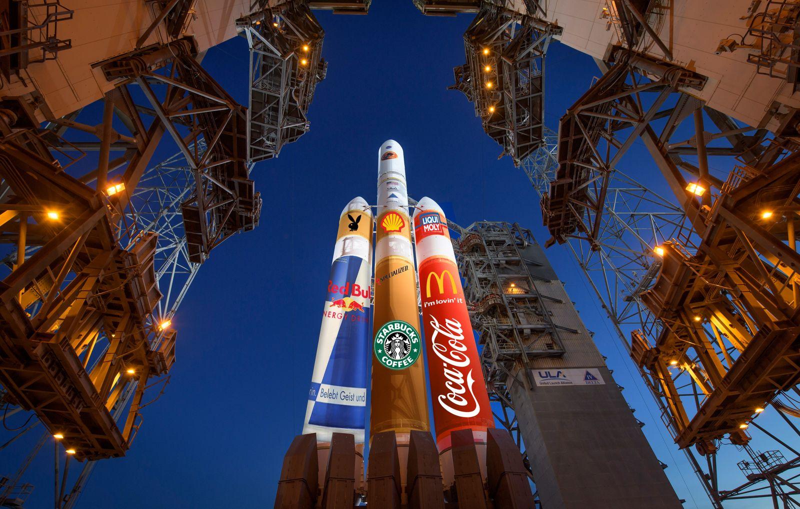 MONTAGE Nasa Rakete mit Logos