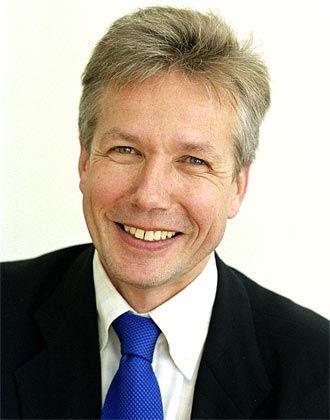 "Wissenschaftsexperte: manager-magazin-Redakteur Michael Kröher moderiert das ""Hochschul-Quartett"" im DLF"