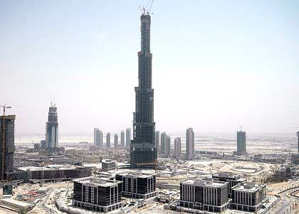 Hoch hinaus: In Dubai entsteht mit dem Burj Dubai derzeit das höchste Gebäude der Welt