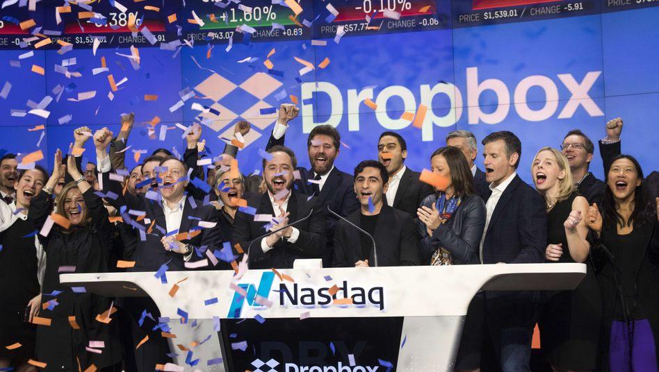 Speicherdienst Dropbox: Fulminantes Börsendebüt inmitten des Börsensturms
