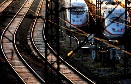 Tour der Leiden: Der Bahn-Konzern droht zu entgleisen, wie interne Dokumente belegen