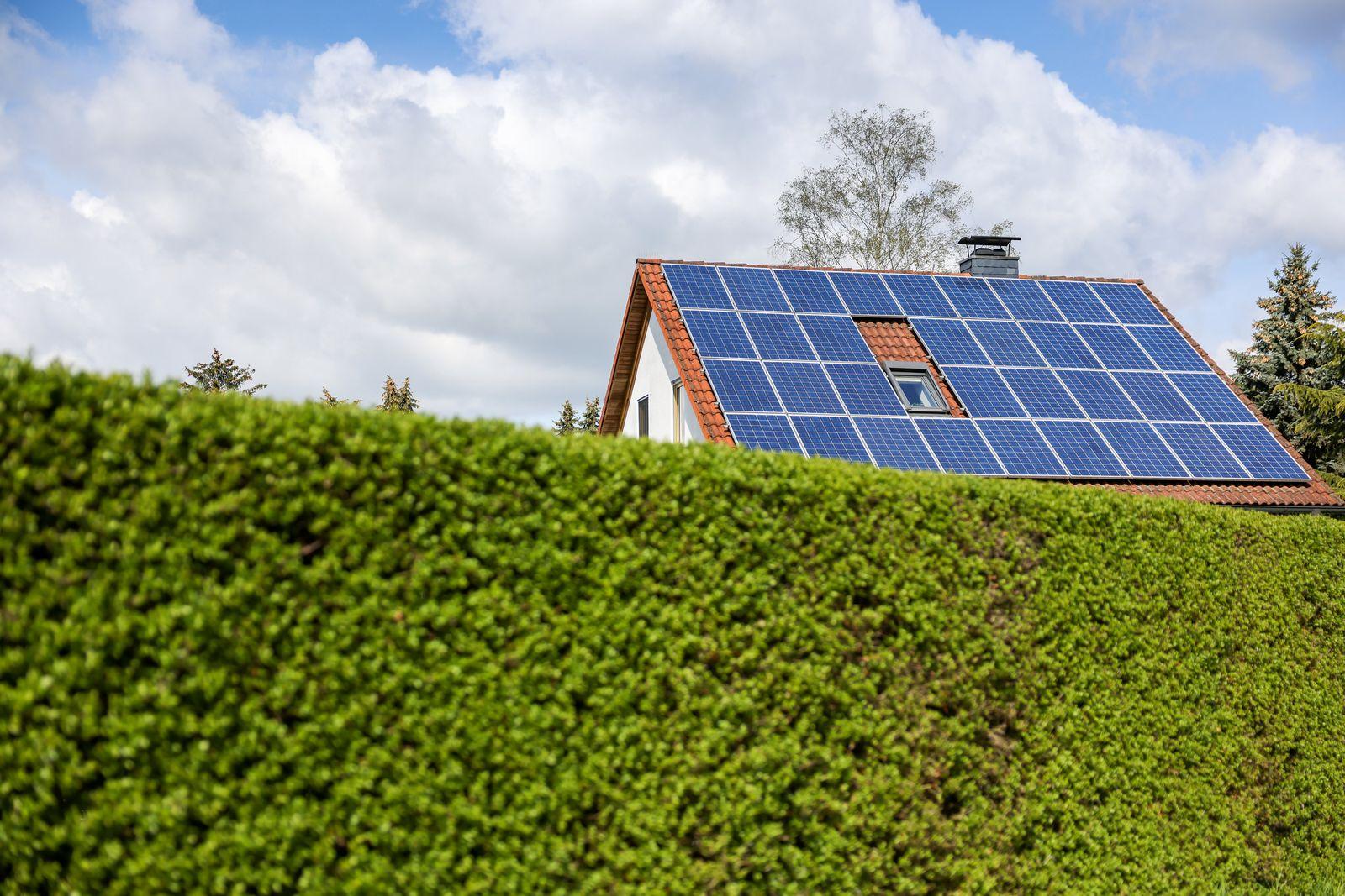 Solarzellen auf Hausdach