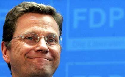 Guido Westerwelle: Die steuerpolitischen Befreiungsschläge des FDP-Chefs lassen Praktiker schmunzeln