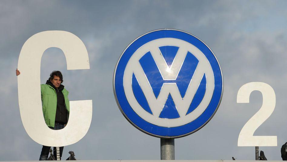 Autobauer stehen wegen ihrer klimaschädlichen Verbrennungsmotoren immer wieder in der Kritik