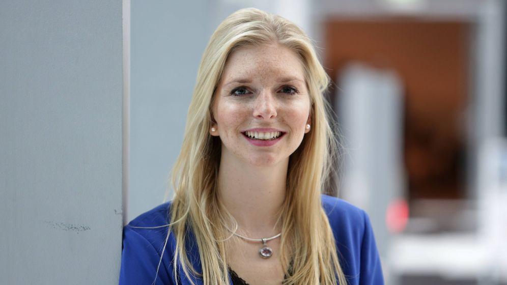 """Auf Sendung: Beim Onlinesexshop Amorelie ist Gründerin Lea-Sophie Cramer auch nach dem Verkauf an ProSiebenSat.1 noch im Beirat, für den TV-Sender beurteilt sie als Jurorin der Sendung """"Das Ding des Jahres"""" Geschäftsideen"""