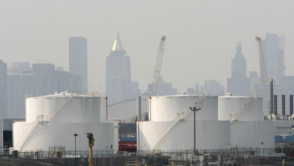 Tanklager von BP in New York: Hohes Ölangebot trifft auf geringe Nachfrage