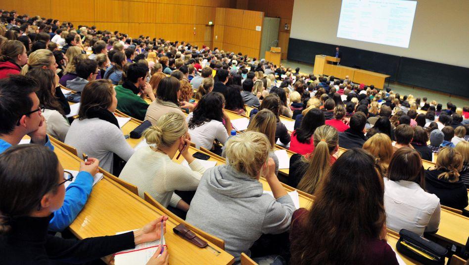 Non scholae, sed vitae discimus: Für Deutschlands Studenten ist der Öffentliche Dienst ein attraktiver Arbeitgeber.