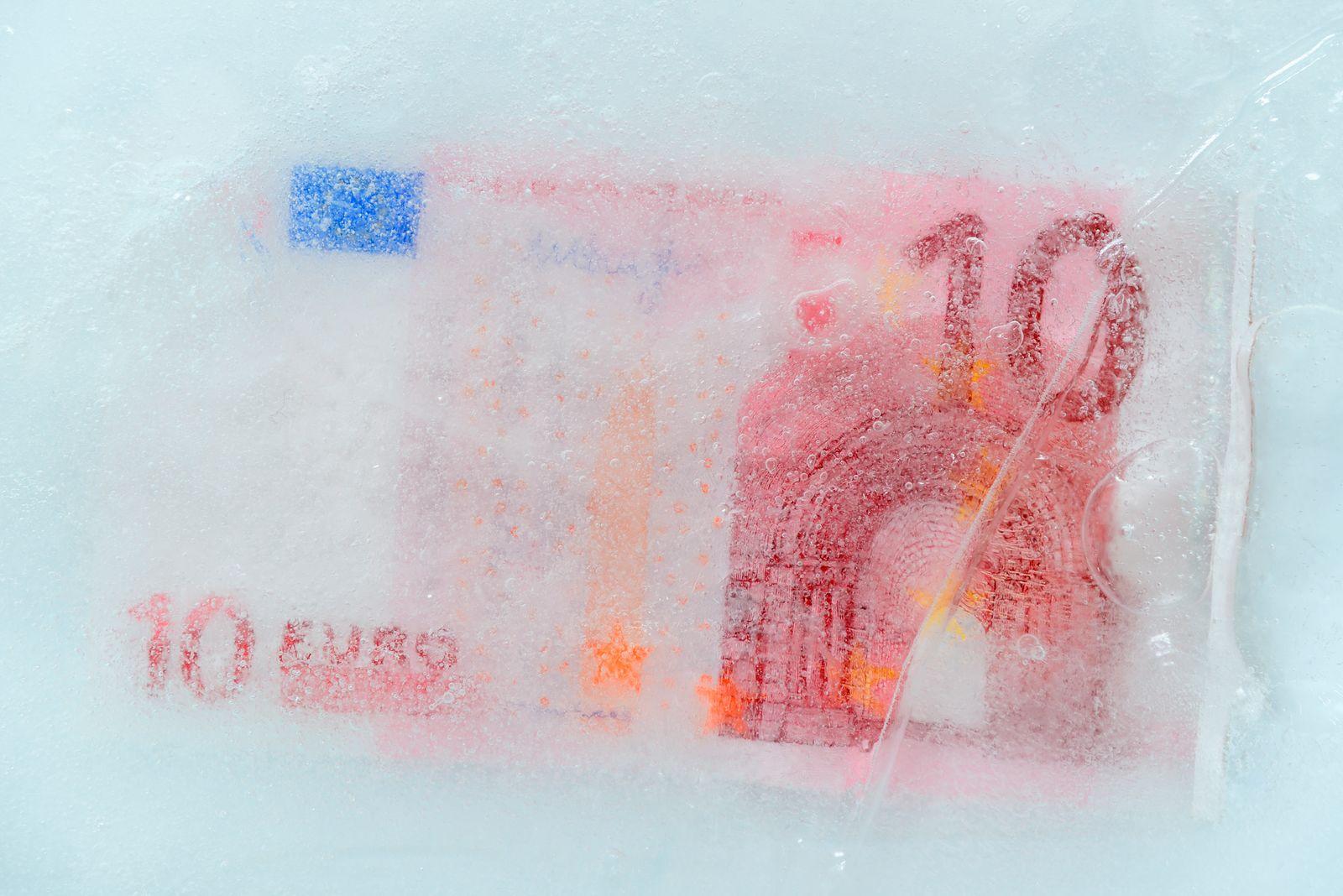 EINMALIGE VERWENDUNG Euro / Schein / Eis / eingefroren