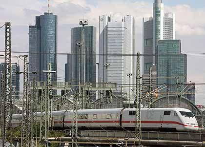 Aktien von Finanzinstituten verloren erneut:Bankenstadt Frankfurt/Main