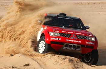 Festgefahren: Im Motorsport, wie hier bei der Rallye Paris Dakar, fährt Mitsubishi vorneweg. Aber das operative Geschäft schwächelt