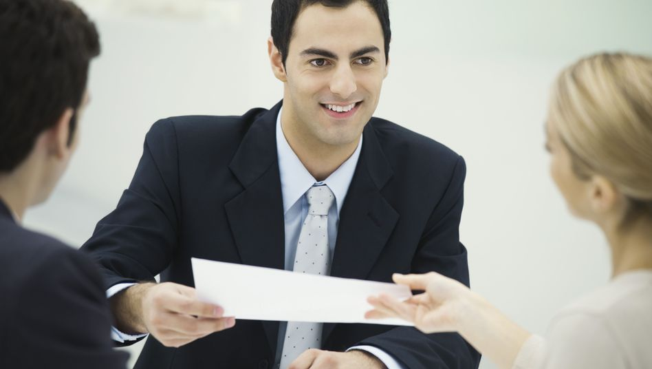 Arbeitszeugnis: Auch für Manager ist es wichtig, dass ihre Führungsleistung individuell und ausführlich bewertet wird