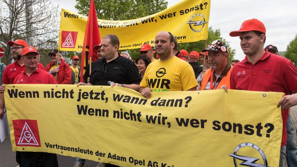 Thüringen, Eisenach: Im April demonstrierten Mitarbeiter verschiedener Opel-Werke gegen den Sanierungskurs