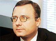 """Marek Wojcicki arbeitete als Unternehmensberater mehr als zehn Jahre für den Prüfer Pricewaterhouse, bevor er für Arthur Andersen im Rang eines Partners in Frankfurt die Einheit """"Business Systems Practice"""" aufbaute. Vor zwei Jahren machte sich der Informatiker und Betriebswirt selbstständig, gründete """"Heaven21"""", eine Kombination aus Unternehmens- und Medienberatung, die heute rund 70 Mitarbeiter zählt."""