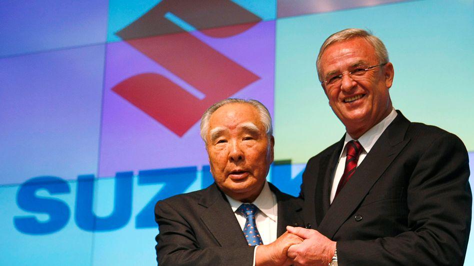 """""""Wieder auf Null zurück"""": Suzuki und Volkswagen-Chef Winterkorn im Dezember 2009"""