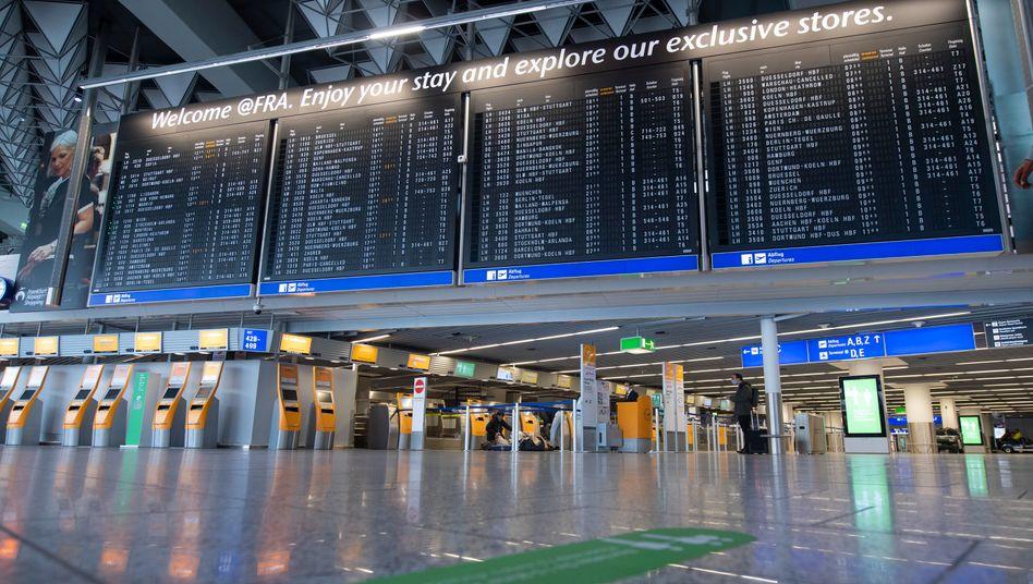 Menschenleeres Terminal am Flughafen Frankfurt: So langsam kehren die Passagiere zurück