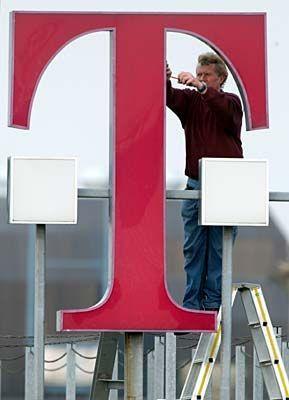 Maut hin, Maut her: Die T-Aktie zählt - auch wegen T-Mobile USA - wieder zu den Hoffnungswerten 2004