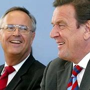 Aufschwung fürs Kasino: Ex-Finanzminister Eichel (l.) und Ex-Kanzler Schröder