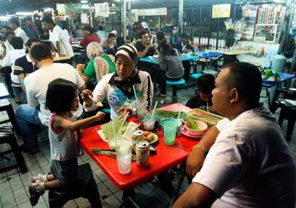 Hauptsache, Frau und Kinder: Malaiische Familie