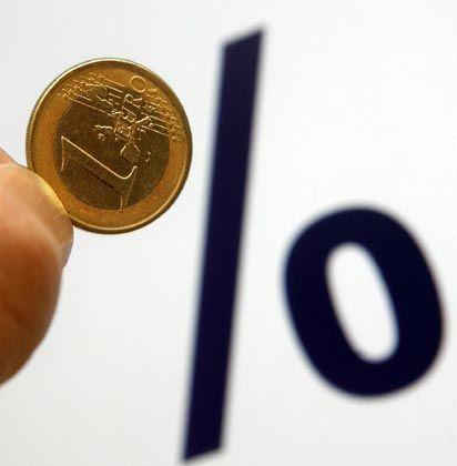 """Wenig Zins für den Euro: Der Euro-Tageszinssatz """"Eonia"""" ist binnen 10 Monaten von 4,6 Prozent auf 0,3 Prozent abgestürzt"""