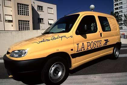 300 Millionen Euro jährlich für Unternehmenskäufe in Europa: Postauto der französischen La Poste