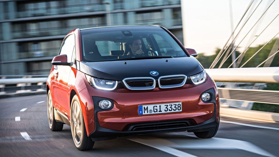 BMW i3: Kunden in Kalifornien sollen gratis Strom tanken können - doch das BMW-Versprechen ist an einige Bedingungen gebunden