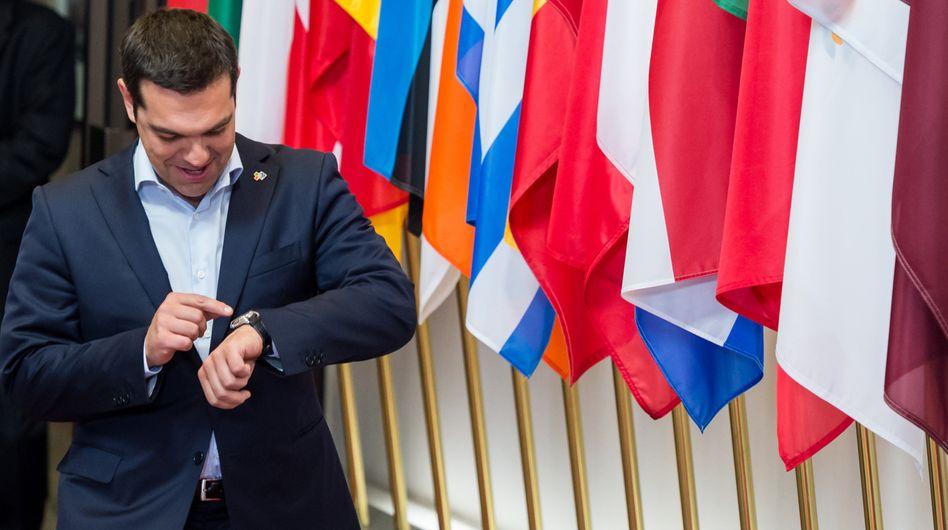Nun hat er es eilig: Einen Tag vor dem Treffen der EU-Regierungschefs hat Alexis Tsipras mit Angela Merkel, Francois Hollande und Jean-Claude Juncker telefoniert - und angeblich einen neuen Vorschlag der griechischen Regierung zur Lösung des Schuldenstreits unterbreitet