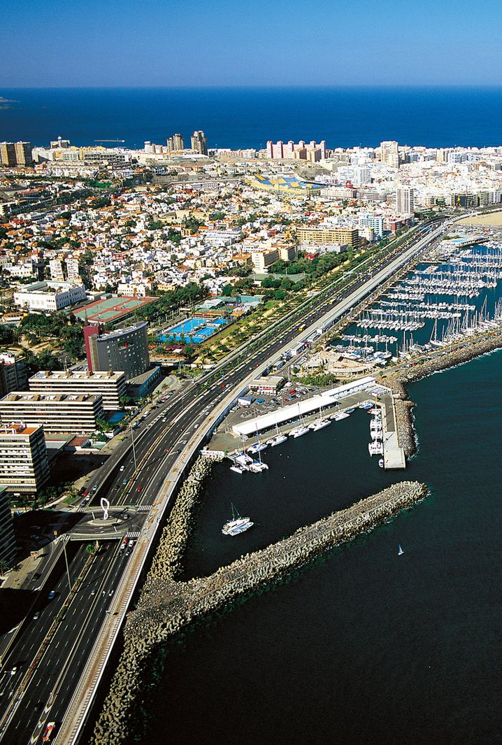 Großstadtcharakter fast wie Barcelona: Die Inselhauptstadt von Gran Canaria, Las Palmas, ist ein beliebtes Ausflugsziel.