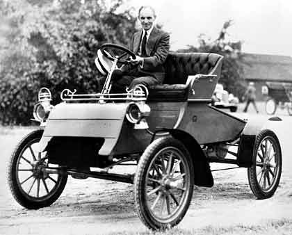 1904: Modell A mit Henry Ford