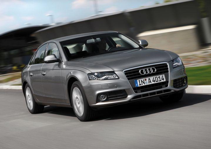 Audi A4: Bei den Neuzulassugen in den ersten zehn Monaten hat der Mittelklasse-Bestseller den BMW 3er knapp überholt
