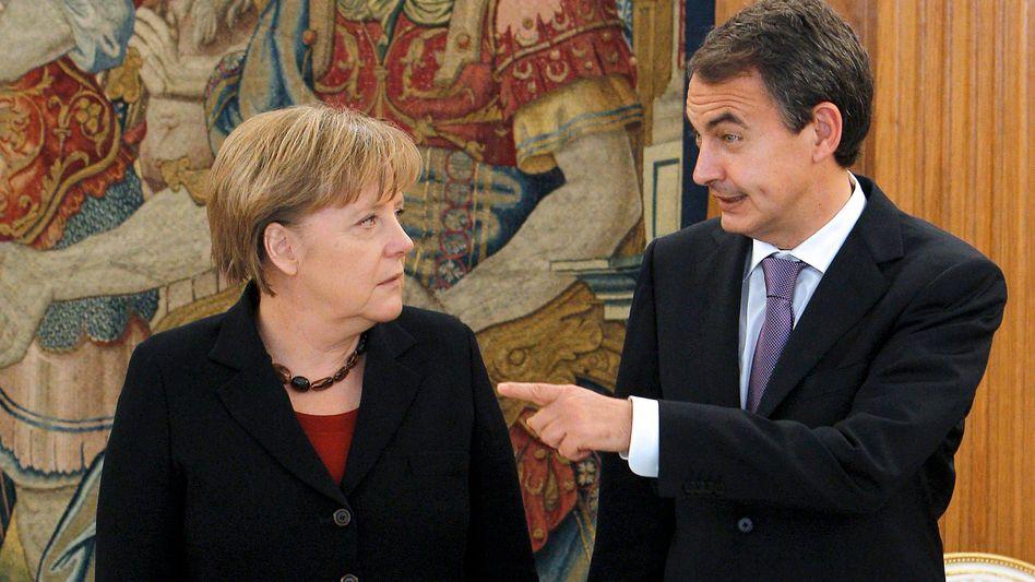Bundeskanzlerin Angela Merkel: Europa-Besprechung mit José Zapatero (r.) in Madrid