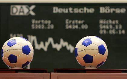 Börse in Frankfurt: WM-Stimmung auch im Handelssaal