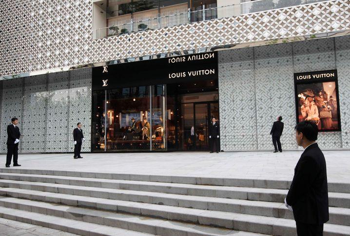 Es muss nicht immer Bitcoin sein: Aktien von Luxusmarken wie LVMH (im Bild eine Boutique von Louis Vuitton) haben noch Potential