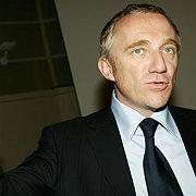 Prominentes Opfer: Der französische Milliardär Francois-Henri Pinault wurde von Arbeitern eingekesselt