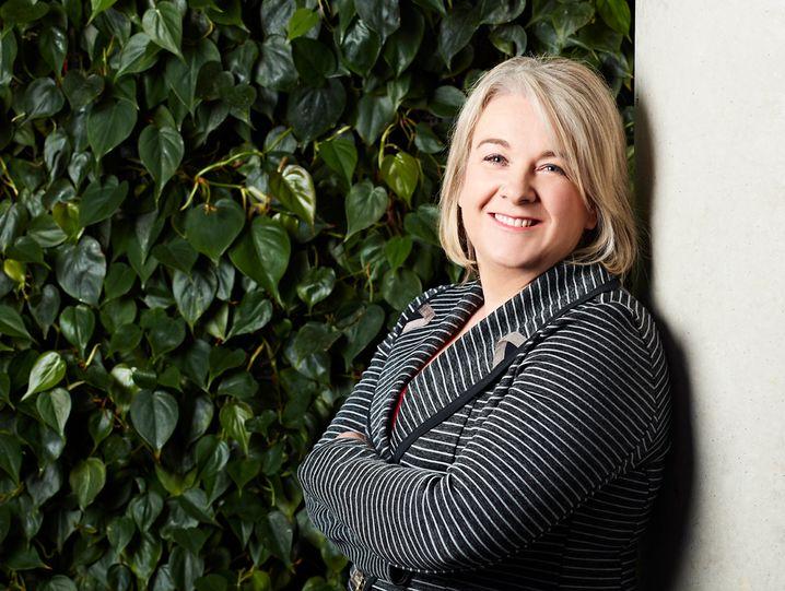 Alison Rowe,Fujitsu, Australien