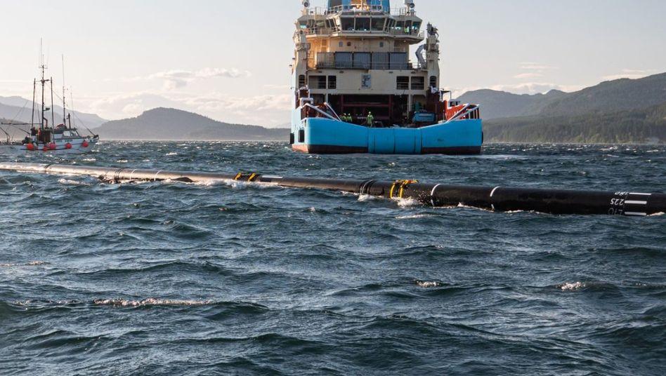 """""""Unser Ziel ist erreichbar"""": """"Ocean Cleanup""""-System im Einsatz."""