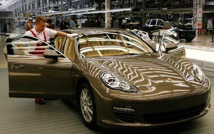 Plötzlich klamm: Produktion des Porsche Panamera, ein Viertürer für solvente Kunden