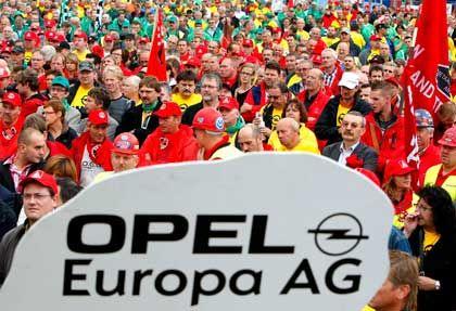 Proteste in Antwerpen: Opelaner fürchten um Arbeitsplätze