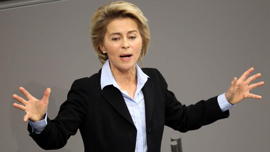 """Bundesarbeitsministerin von der Leyen: """"Unter 25 bis 30 Prozent Frauenanteil in Führungspositionen würde ich gar nicht anfangen zu verhandeln"""""""