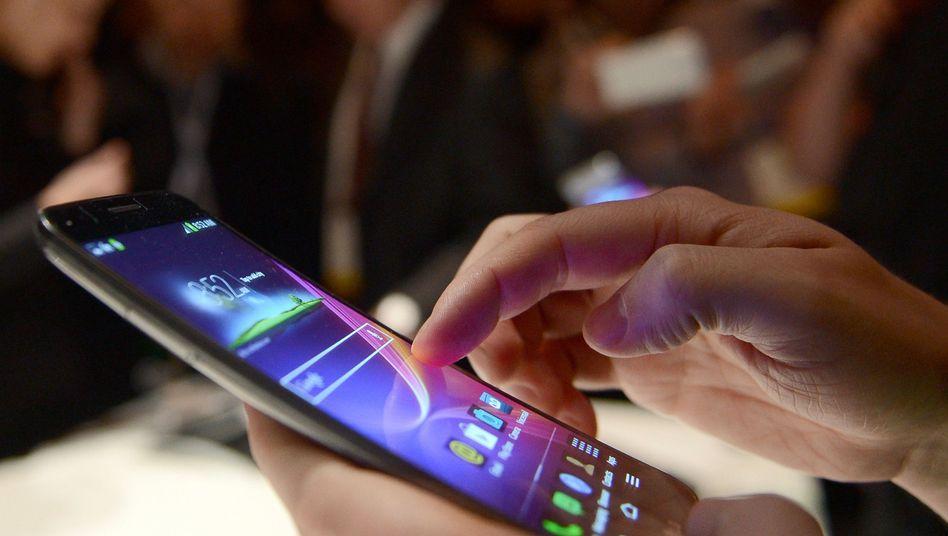 Android Smartphone: Nach der Strafe in Höhe von 2,4 Milliarden Euro droht Google nun eine noch höhere Strafe von der EU-Kommission