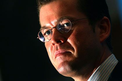 Wirtschaftsminister Guttenberg: Angebote kommen nicht zwingend zum Tragen