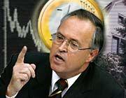 Zur Kasse bitte! - Finanzminister Eichel will Aktiengewinne besteuern - rückwirkend mit 1,5 Prozent und mit 15 Prozent in der Zukunft.