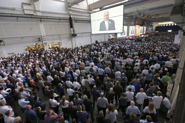 Betriebsversammlung in Wolfsburg
